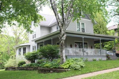 Lake Mills Single Family Home For Sale: 603 Fremont St