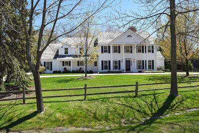Ozaukee County Single Family Home For Sale: 127 W Boundary Rd