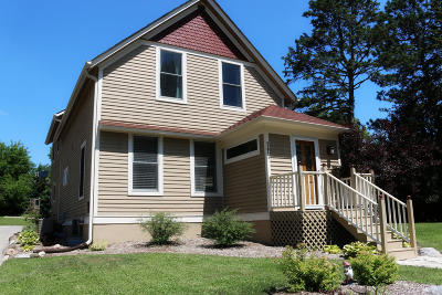 Cedarburg Single Family Home Active Contingent With Offer: N65w5730 Columbia Rd
