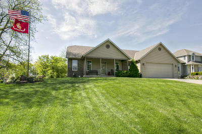 Lake Mills Single Family Home For Sale: W8183 Bridle Path