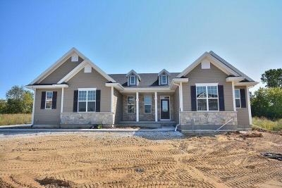 Menomonee Falls Single Family Home For Sale: W212n6082 Legacy Trl