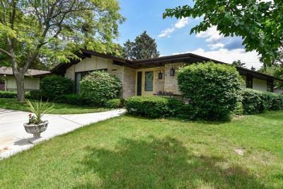 Elm Grove Single Family Home For Sale: 15085 Cascade Dr