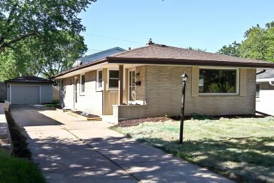 Milwaukee Single Family Home Active Contingent With Offer: 10601 W Lancaster Ave