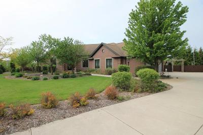 Ozaukee County Single Family Home For Sale: 4211 W Ravenwood Ct
