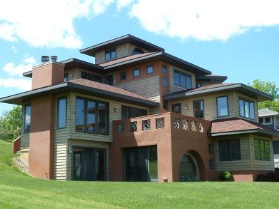 Lake Mills Single Family Home For Sale: N6385 Cedar Ln