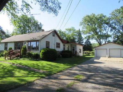 Pleasant Prairie Single Family Home For Sale: 2027 104th St