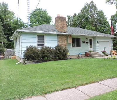 Fort Atkinson Single Family Home For Sale: 304 Shirley St