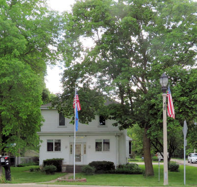 Waukesha County Single Family Home For Sale: W315n7471 State Road 83