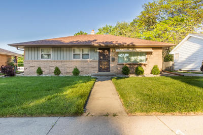 Milwaukee Single Family Home Active Contingent With Offer: 3374 S 77th St