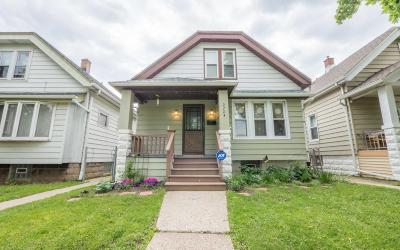 Milwaukee Single Family Home Active Contingent With Offer: 2724 S 16th St