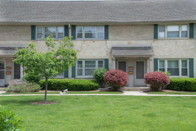 Whitefish Bay Condo/Townhouse For Sale: 4918 N Shoreland Ave