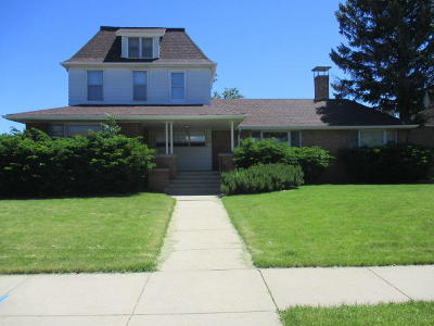 West Allis Single Family Home For Sale: 1642 S 65th St