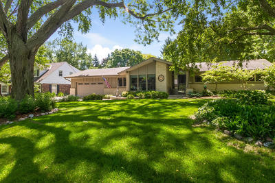 Glendale Single Family Home Active Contingent With Offer: 2515 W Dunwood Rd