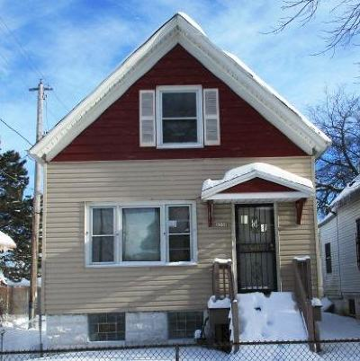 Milwaukee Single Family Home For Sale: 2558 N 23rd St