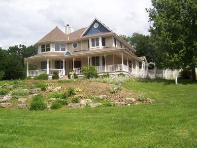 Brookfield Single Family Home For Sale: 17450 Oak Park Row
