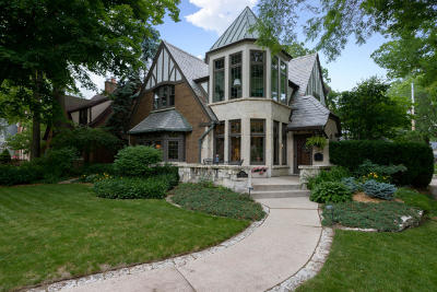 Whitefish Bay Single Family Home Active Contingent With Offer: 1056 E Lexington Blvd