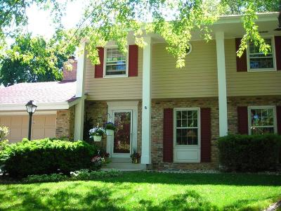 Cedarburg Single Family Home For Sale: W53n863 Castle Ct