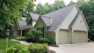 Menomonee Falls Single Family Home For Sale: W142n6224 Mill Ridge Dr