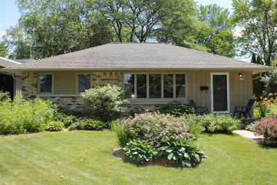 Whitefish Bay Single Family Home For Sale: 6264 N Lydell Ave