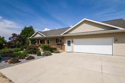 West Bend Single Family Home Active Contingent With Offer: 5285 Easy St
