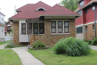 Milwaukee Single Family Home For Sale: 2957 N 60th St
