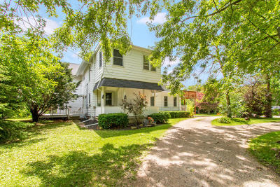 Walworth Single Family Home For Sale: 555 Hill St