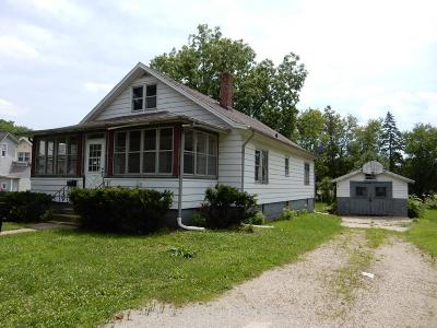 Fort Atkinson Single Family Home Active Contingent With Offer: 48 South St
