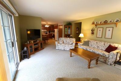 Slinger Condo/Townhouse Active Contingent With Offer: 449 Slinger Rd #1