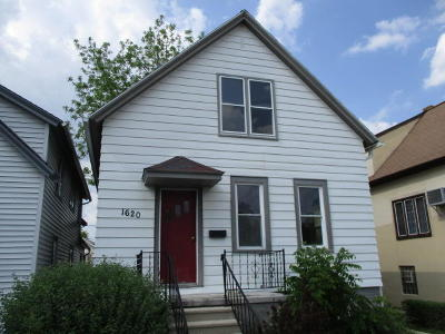 South Milwaukee Single Family Home For Sale: 1620 Manitoba Ave