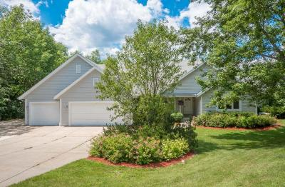 Waukesha Single Family Home For Sale: W220s4555 Tansdale Rd