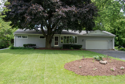 Brookfield Single Family Home For Sale: 2940 Cottonwood Ct