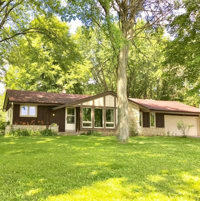 Cedarburg Single Family Home For Sale: 4390 Pioneer Rd