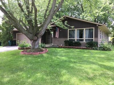 Fort Atkinson Single Family Home Active Contingent With Offer: 822 Florence St