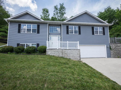 Slinger Single Family Home For Sale: 739 Hidden Lake Ct S