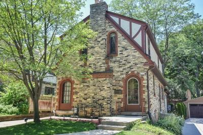 Whitefish Bay Single Family Home For Sale: 4907 N Cumberland Blvd