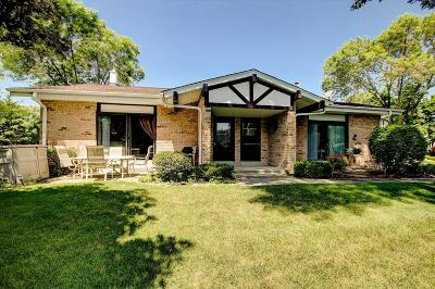 Cedarburg Condo/Townhouse Active Contingent With Offer: W53n130 McKinley Ct #A