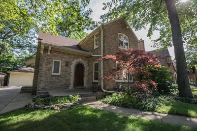 Whitefish Bay Single Family Home For Sale: 823 E Sylvan Ave