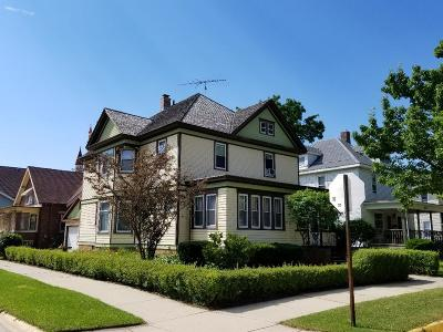 Watertown Single Family Home For Sale: 400 N 5th St