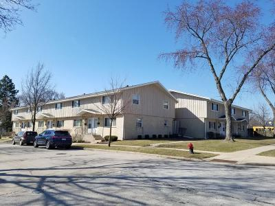 Milwaukee Multi Family Home For Sale: 4209 W Good Hope Rd