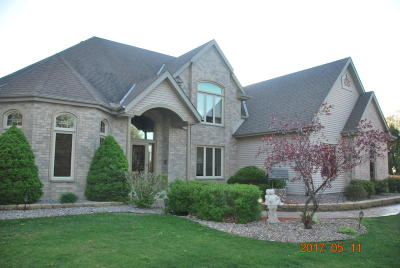 Racine County Single Family Home Active Contingent With Offer: 1220 Schneider Ln