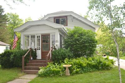 Cedarburg Single Family Home For Sale: W58n373 Johnson Ave