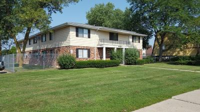 Milwaukee Multi Family Home For Sale: 8835 N Swan Rd