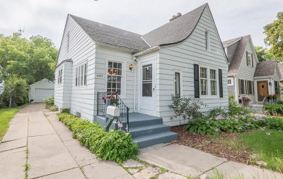 Shorewood Single Family Home Active Contingent With Offer: 4433 N Morris Blvd