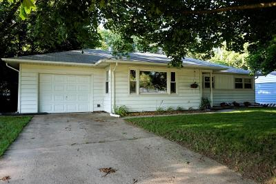 Waukesha Single Family Home Active Contingent With Offer: 1012 W Moreland Blvd