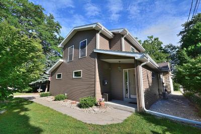 Milwaukee Single Family Home For Sale: 6923 W Wedgewood Dr