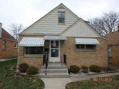Milwaukee Single Family Home For Sale: 3150 N 75th St