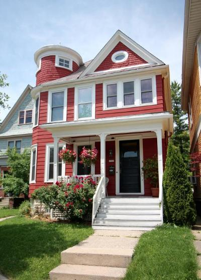 Milwaukee Single Family Home Active Contingent With Offer: 1985 N Bartlett Avenue