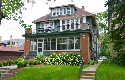 Milwaukee Multi Family Home Active Contingent With Offer: 2754 N Farwell Ave #2756