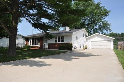 Pleasant Prairie Single Family Home Active Contingent With Offer: 12309 41st Ave