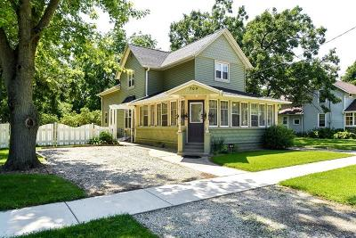 Palmyra Single Family Home Active Contingent With Offer: 709 N 1st St